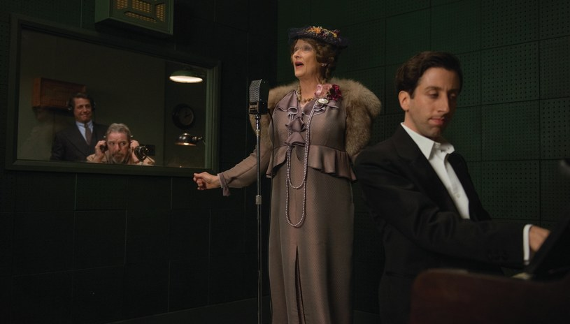 Nazywana była najgorszą śpiewaczką świata. I owszem - bawiła tłumy. I tak - śpiewem. I to jej niebywały talent... komediowy spowodował, że jej koncerty były wyprzedawane. Publiczność przychodziła podziwiać Florence Foster Jenkins i to, jak bardzo mija się z każdą kolejną nutą.