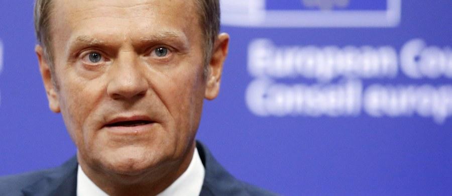 To historyczna chwila dla Unii Europejskiej, ale nie czas na histeryczne reakcje. UE jest przygotowana na negatywny scenariusz - powiedział szef Rady Europejskiej Donald Tusk, komentując wynik brytyjskiego referendum, w którym większość opowiedziała się za opuszczeniem Unii.