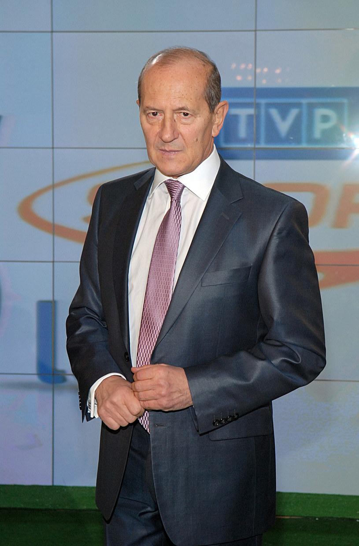 Niedawno pojawiły się informacje, że jeszcze w tym roku Włodzimierz Szaranowicz odejdzie z TVP. Właśnie zostały zdementowane.