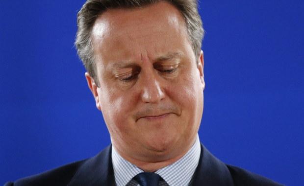 W Brukseli odbył się pierwszy nieformalny szczyt z udziałem przywódców 27 państw unijnych, bez Wielkiej Brytanii, który był poświęcony konsekwencjom brytyjskiego referendum i przyszłości UE po wyjściu Zjednoczonego Królestwa. Przywódcy krajów ustalili, że Wielka Brytania po Brexicie może mieć dostęp do wspólnego rynku UE, tylko jeśli będzie przestrzegać swobody przepływu osób.
