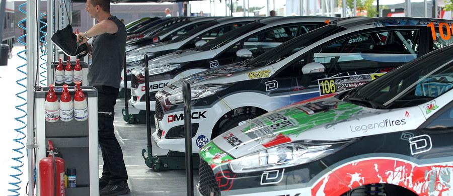 Odcinkiem na torze w Mikołajkach rozpocznie się dziś PZM 73. Rajd Polski! Zawody zaliczane są do mistrzostw świata i jak co roku na Mazury zjechali się najlepsi kierowcy globu.