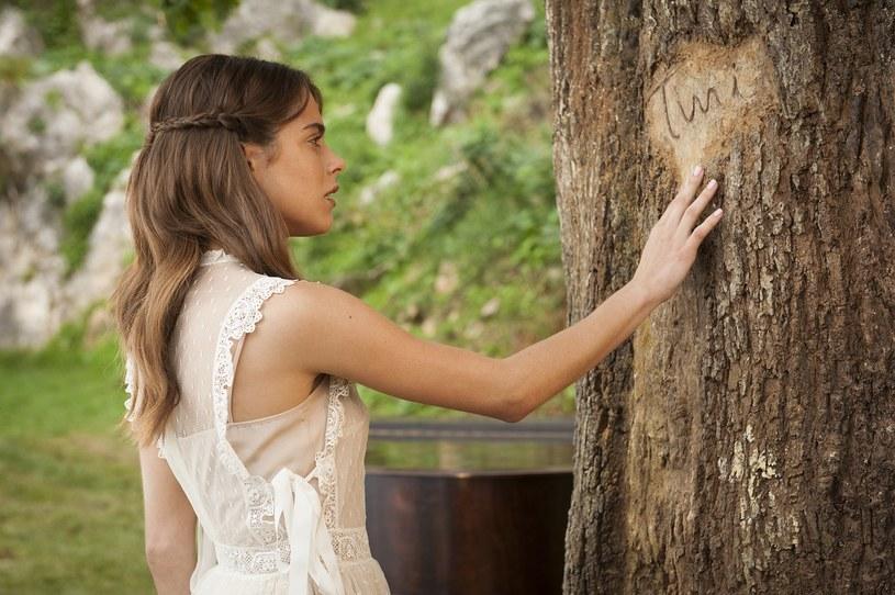 """Martina Stoessel, znana głównie z niezapomnianej roli serialowej """"Violetty"""", otwiera dwa nowe etapy artystycznej kariery. Debiutuje na dużym ekranie w pełnometrażowym filmie Disneya """"Tini. Nowe życie Violetty"""", a do tego rozpoczyna solową karierę muzyczną, o której od zawsze marzyła."""