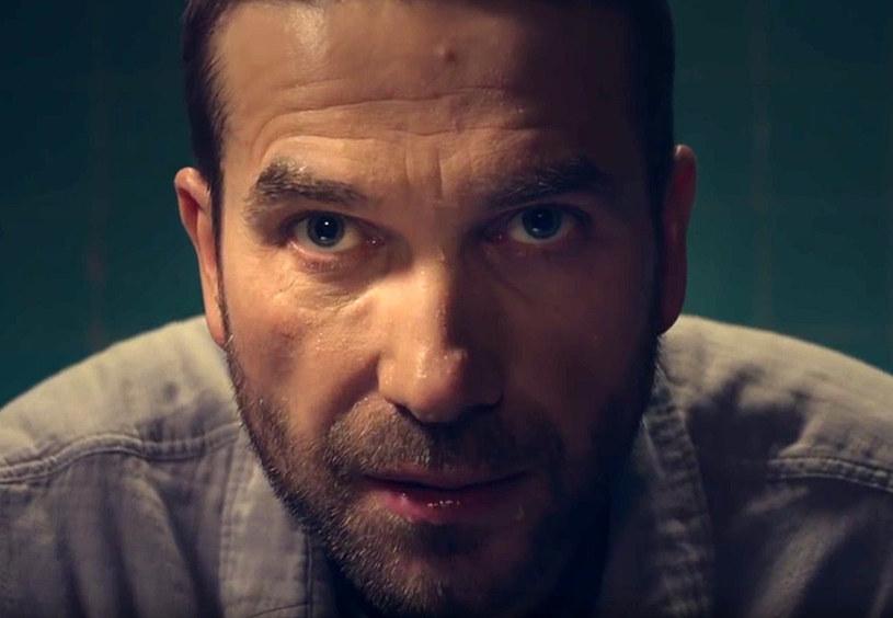 """HBO zaprezentowało pierwszą zapowiedź drugiego sezonu serialu kryminalnego """"Pakt""""."""