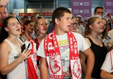 Nasi piłkarze już w Polsce. Witały ich tłumy kibiców!
