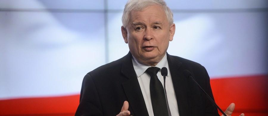 Dziś w Warszawie kongres PiS wybierze władze partii; Jarosław Kaczyński najpewniej nie będzie miał konkurenta w wyborze szefa ugrupowania na kolejną 3-letnią kadencję. Prezes PiS ma nakreślić zadania dla swojego obozu politycznego.