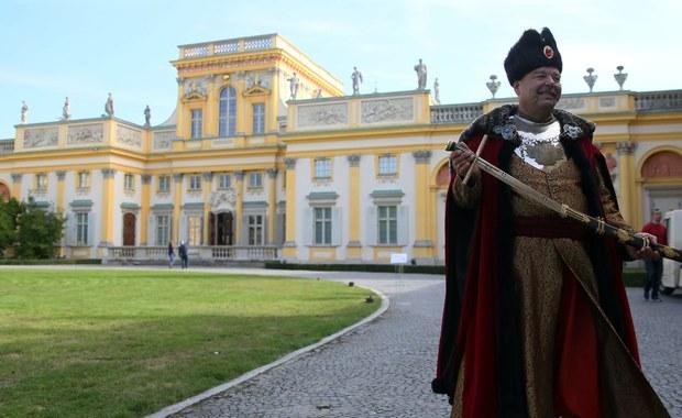Wygrana pod Kahlenberg, zjednoczenie Europy i umożliwienie Staremu Kontynentowi zachowania tożsamości - m.in. to zawdzięczamy Janowi III Sobieskiemu. Polski król, który podczas bitew był świetnym wodzem, w czasie wolnym uwielbiał imprezować, pić i wydawać pieniądze. Komitet Budowy Pomnika, chce upamiętnienia Sobieskiego poprzez postawienie mu monumentu na wiedeńskim wzgórzu.