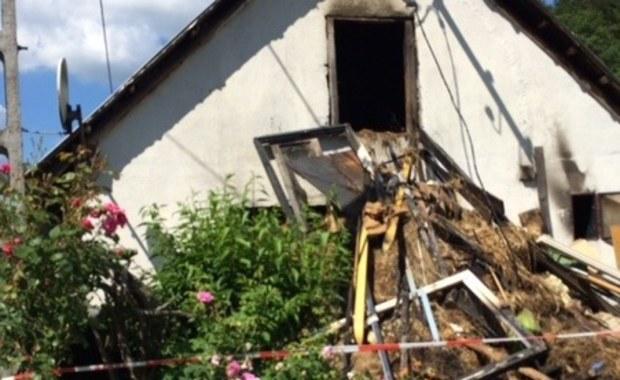 Sołectwo w Rajczy w Beskidzie Żywieckim organizuje pomoc dla rodziny, której dom spłonął w nocy w pobliskim Nickulinie. W pożarze zginęli dwaj chłopcy: jeden miał 11 miesięcy, drugi - 2 lata.
