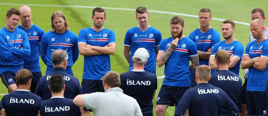 """""""60:40 na korzyść Francji"""" - tak szwedzki trener piłkarskiej reprezentacji Islandii Lars Lagerbaeck określił szanse obu zespołów w niedzielnym ćwierćfinale mistrzostw Europy."""