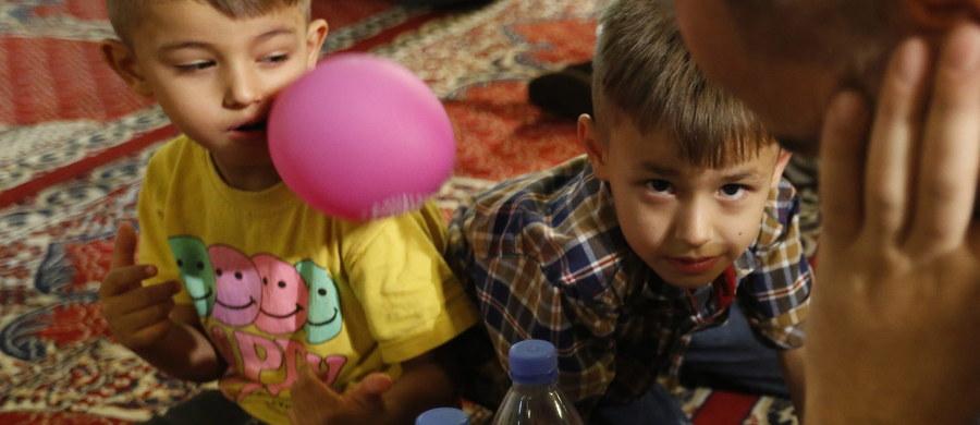 """Pochodzący ze Szwecji 3-letni chłopiec zginął w Syrii, na terytorium opanowanym przez Państwo Islamskie. Dziecko bawiło się granatem ręcznym – pisze """"SVT Nyheter Väst""""."""