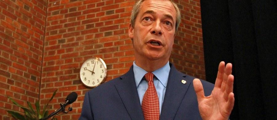 Przywódca eurosceptycznej Partii Niepodległości Zjednoczonego Królestwa (UKIP) Nigel Farage zapowiedział, że ustępuje ze stanowiska. Tłumaczy to tym, iż udało mu się osiągnąć cel, jakim było wygranie referendum w sprawie Brexitu.
