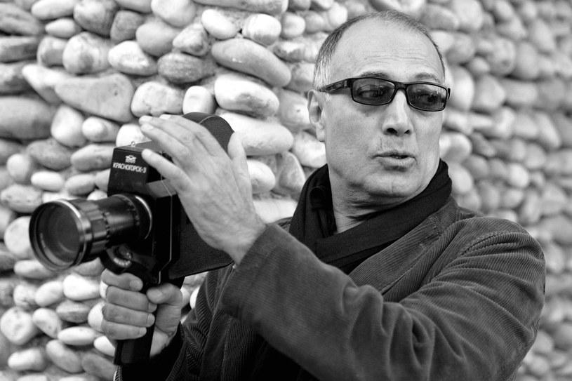 W wieku 76 lat zmarł we Francji reżyser i scenarzysta Abbas Kiarostami, przedstawiciel tzw. irańskiej Nowej Fali - podała w poniedziałek, 4 lipca, agencja prasowa INRA. Reżyser od dłuższego czasu walczył z rakiem. Był laureatem Złotej Palmy w Cannes i nagrody UNESCO.