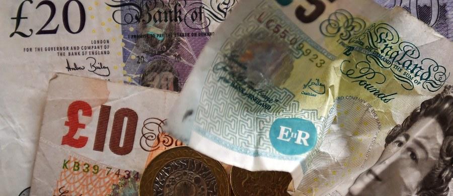 Kolejny spadek odnotowała we wtorek brytyjska waluta. Kurs funta szterlinga wobec dolara obniżył się o 1,3 proc. i wyniósł 1,3112 dolara - najniżej od września 1985 roku.