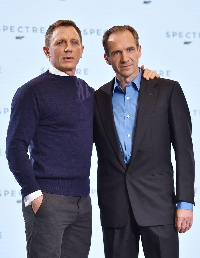 """W wywiadzie udzielonym brytyjskiemu magazynowi """"Metro"""", Ralph Fiennes wyraził uznanie dla pracy Daniela Craiga w roli agenta James Bonda."""