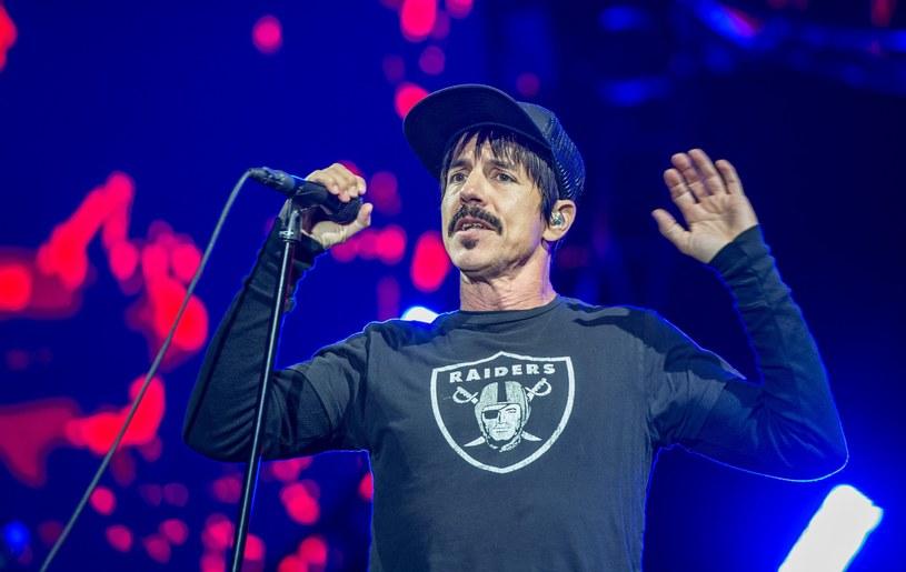 Red Hot Chili Peppers na Open'era przyjechali z nowymi piosenkami. Choć nie wszystkie koncertowo się sprawdziły, muzycy z Kalifornii pokazali, że wciąż są mistrzami w swoim fachu.