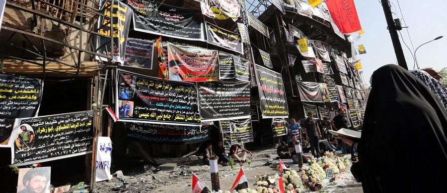 Do 292 ofiar śmiertelnych i ok. 200 rannych wzrósł bilans niedzielnego zamachu samobójczego w Bagdadzie, do którego przeprowadzenia przyznali się dżihadyści z sunnickiego Państwa Islamskiego. Informację przekazał minister zdrowia Iraku Adila Hammud.
