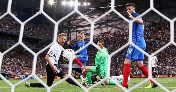 """Francuzi pokonali Niemców 2:0 w półfinale piłkarskich mistrzostw Europy. Autorem obu goli dla """"Trójkolorowych"""" był napastnik reprezentacji Antoine Griezmann."""