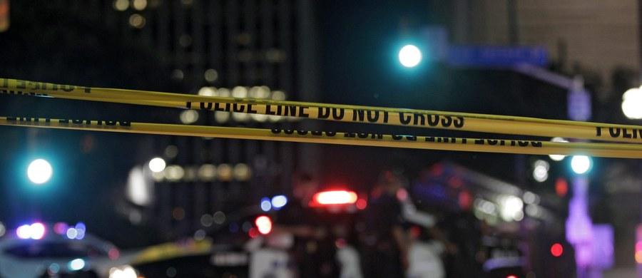 """Czarnoskóry snajper, który w Dallas zabił pięciu białych policjantów, nie reprezentuje Afroamerykanów - powiedział w sobotę prezydent USA Barack Obama na konferencji prasowej po zakończeniu szczytu NATO w Warszawie. Nazwał zabójcę """"szalonym""""."""