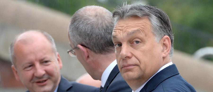 Premier Węgier Viktor Orban zapewnił, że flanka wschodnia NATO jest wzmacniana bez naruszania porozumienia NATO-Rosja. Mówił też o roli NATO w walce z nielegalną imigracją oraz zwrócił uwagę na poparcie członkostwa Macedonii w Sojuszu.