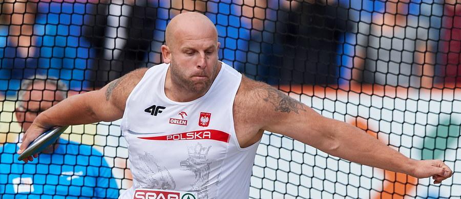 Piotr Małachowski (WKS Śląsk Wrocław) po sześciu latach znowu został mistrzem Europy w rzucie dyskiem. W Amsterdamie złoty medal dała mu odległość 67,06. Drugi z Polaków Robert Urbanek był dziewiąty w klasyfikacji.