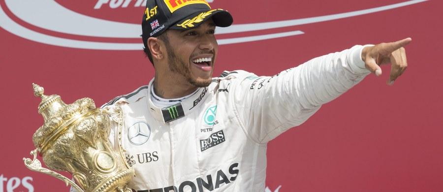 Brytyjczyk Lewis Hamilton (Mercedes GP) wygrał wyścig Formuły 1 o Grand Prix Wielkiej Brytanii na torze Silverstone, 10. rundę mistrzostw świata. Obrońca tytułu odniósł 47. zwycięstwo w karierze.