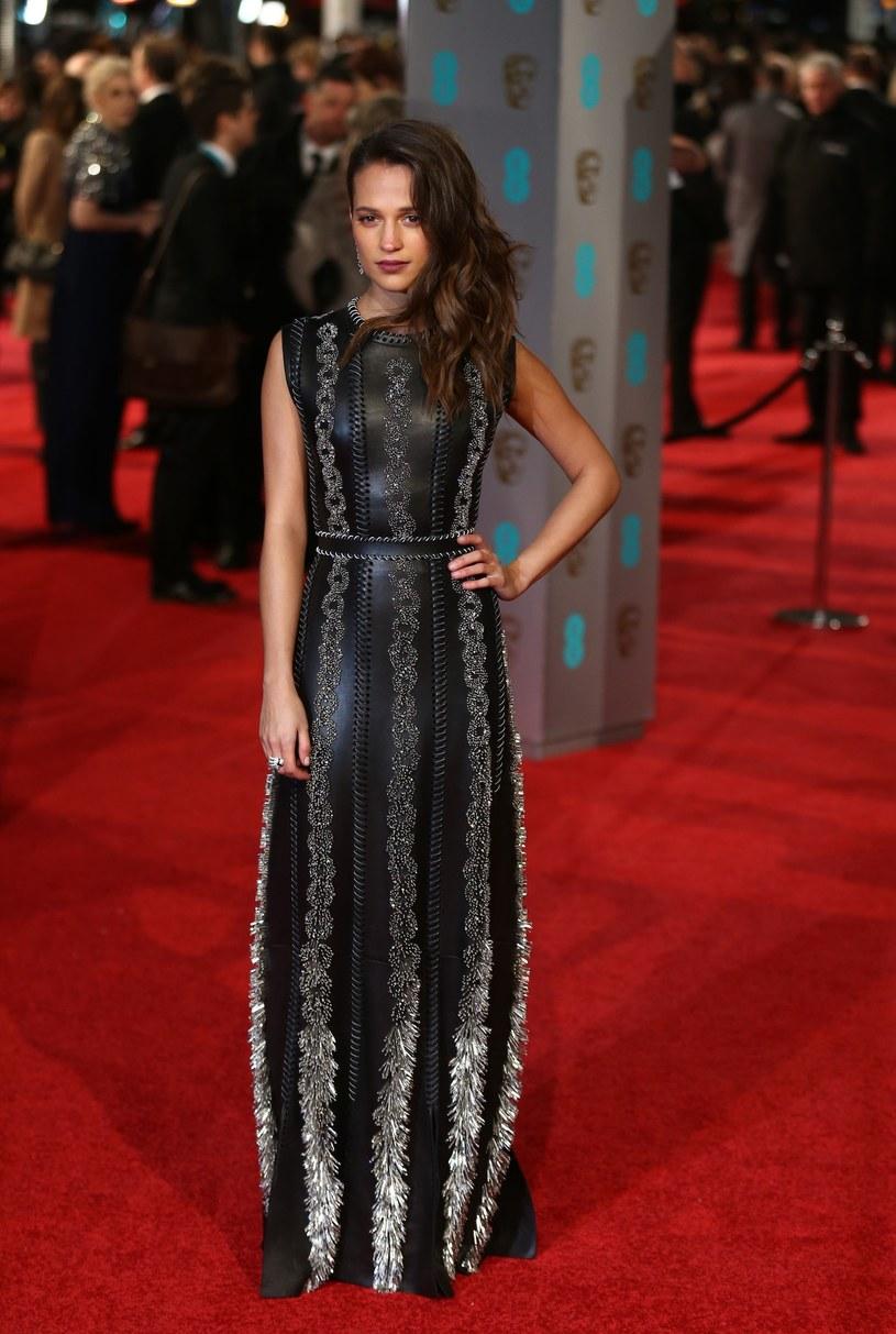"""Najnowsza adaptacja gry komputerowej """"Tomb Raider"""" pojawi się w kinach w marcu 2018 roku. Główną bohaterkę zagra laureatka Oscara Alicia Vikander (""""Dziewczyna z portretu"""",  """"Ex Machina"""")."""