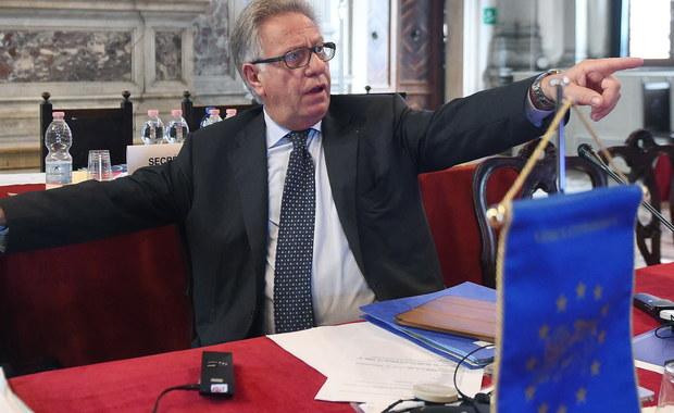 Prawdopodobnie już na początku przyszłego tygodnia - w poniedziałek lub wtorek - będzie gotowa wstępna opinia Komisji Weneckiej na temat nowej ustawy o polskim Trybunale Konstytucyjnym - dowiedział się nasz korespondent Marek Gładysz. Ustawę - opartą na propozycjach Prawa i Sprawiedliwości - w zeszłym tygodniu przyjął Sejm.