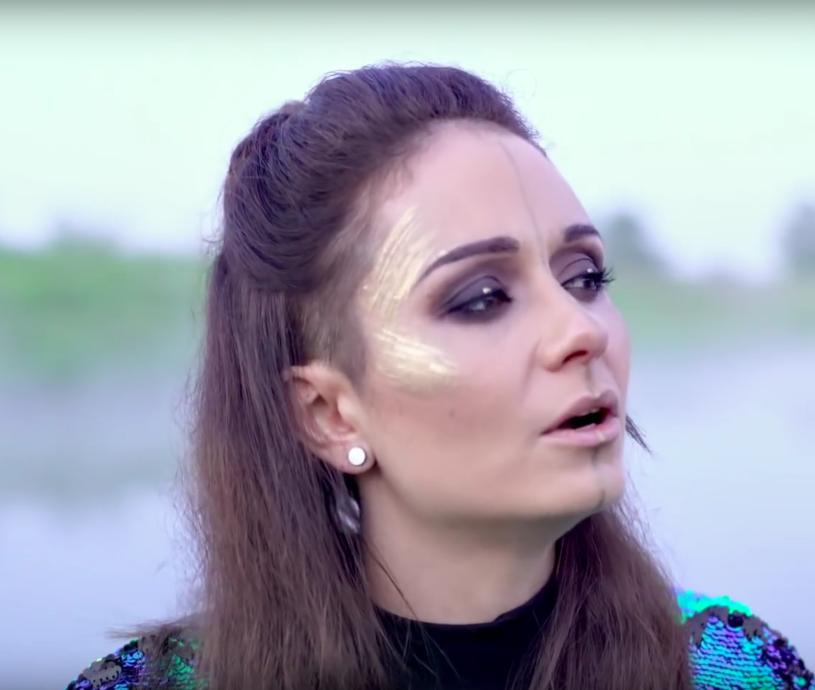 """Po dłuższej przerwie z autorskim utworem przypomina się Ania Kłys, uczestniczka """"X Factor"""" i """"The Voice of Poland"""". Zobaczcie najnowszy teledysk """"Wise Man""""."""