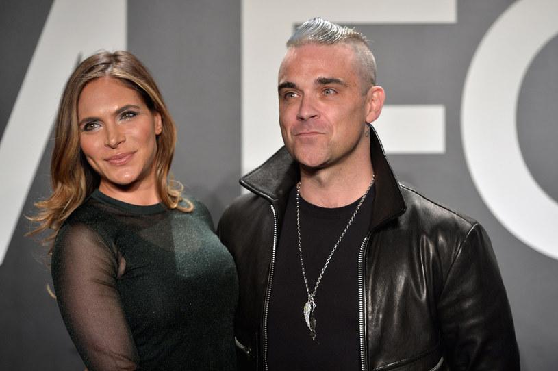 Żona Robbiego Williams, Ayda Field, jest przekonana, że jej mąż spał z trzema członkiniami kultowej grupy Spice Girls.