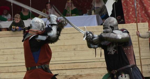 Na polach pod Grunwaldem zaroiło się od średniowiecznych namiotów. To znak, że ruszyły przygotowania do inscenizacji największej średniowiecznej bitwy z 1410 roku.