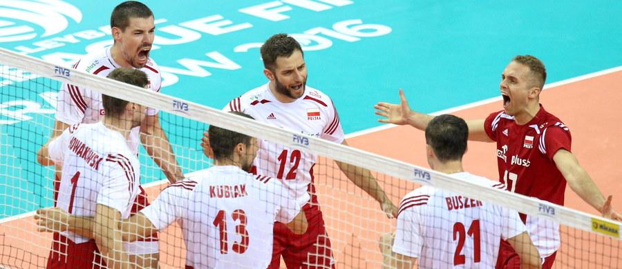 Siatkarze reprezentacji Polski wygrali pierwszy mecz Final Six Ligi Światowej w Krakowie. W środę pokonali Francję 3:2 (21:25, 17:25, 25:17, 28:26, 15:12). W czwartek o 20.30 zagrają z Serbią.