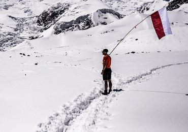 Śnieżna Pantera: Atak szczytowy Andrzeja Bargiela na Pik Lenina przesunięty z powodu złej pogody