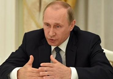 """Putin życzy Erdoganowi """"szybkiego powrotu do stabilności"""""""
