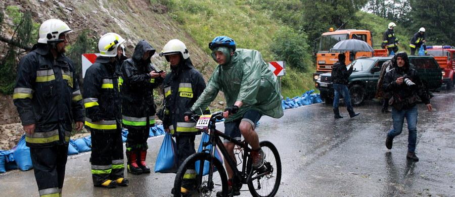 Niedzielny etap wyścigu kolarskiego Tour de Pologne wokół Bukowiny Tatrzańskiej został anulowany z powodu bardzo złych warunków atmosferycznych.