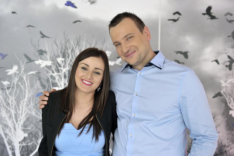 """Ania i Grzegorz, ulubieńcy widzów drugiej edycji popularnego programu """"Rolnik szuka żony"""", będą rodzicami. Para wzięła ślub w kwietniu tego roku."""