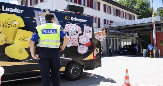 Detonatory, ładunki wybuchowe i dowody tożsamości na różne nazwiska znalazła francuska policja podczas przeszukania w mieszkaniu domniemanego 23-letniego dżihadysty w regionie paryskim - podała stacja radiowa Europe1. Mężczyzna został tymczasowo aresztowany.