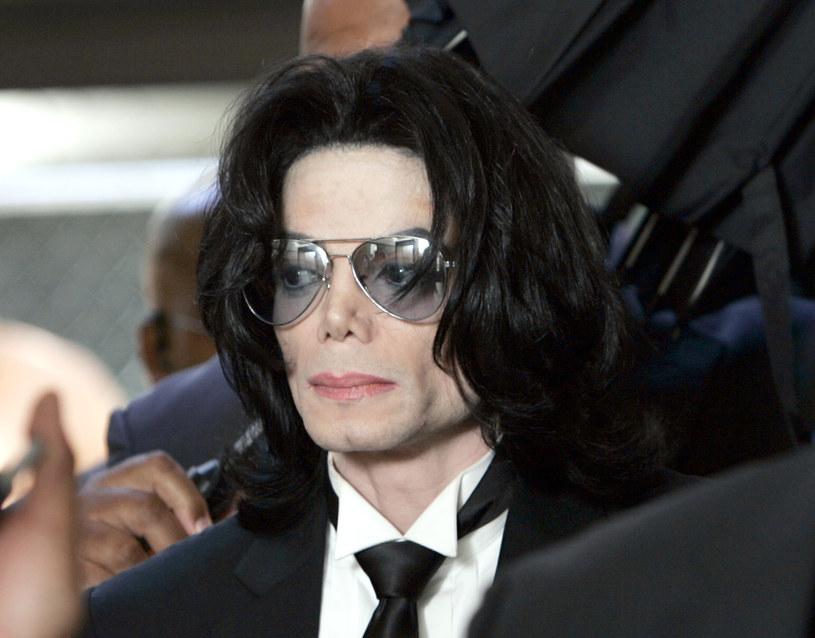 Według Conrada Murraya, osobistego lekarza Michaela Jacksona, który został skazany za nieumyślne zabójstwo gwiazdora, wokalista był szaleńczo zakochany w 12-letniej Emmie Watson.