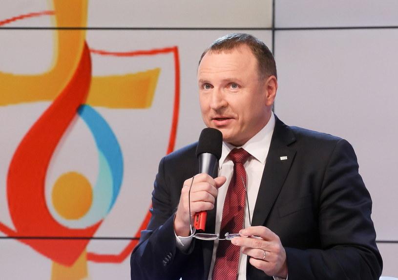 TVP jest oficjalnym nadawcą ŚDM, sygnał TVP będzie szedł na cały świat - powiedział prezes TVP Jacek Kurski prezentując program ramowy ŚDM w telewizji publicznej.