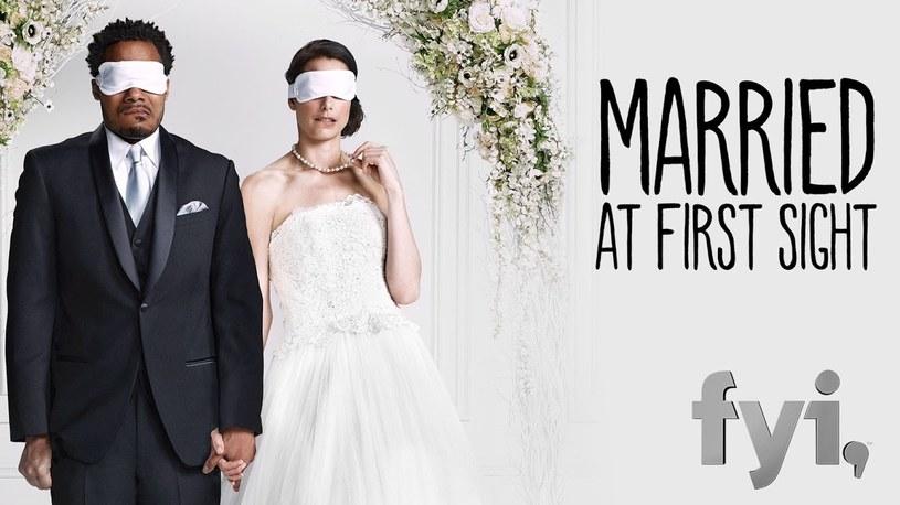 """""""Ślub od pierwszego wejrzenia"""" to reality-show, w którym pary biorą ślub, nie znając się wcześniej w ogóle. Kontrowersyjny program zrealizował już TVN. Kiedy trafi na antenę?"""