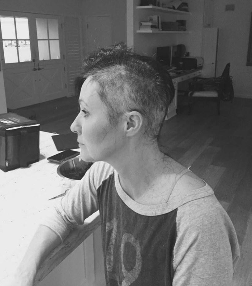 """W sierpniu 2015 Shannen Doherty poinformowała, że ma raka w piersi. Teraz była gwiazda serialu """"Beverly Hills, 90210"""" za kulisy walki z chorobą zaprosiła swych fanów na Instagramie."""