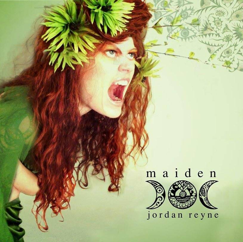"""""""Pewna artystka z Nowej Zelandii (!!!) zrobiła cover 'Gnijącego świata'"""" - poinformowali muzycy T. Love. Ta artystka to Jordan Reyne, obecnie mieszkająca w Wielkiej Brytanii, która ma na koncie trzy nominacje do nagrody New Zealand Music Award. Cover nagrała w języku polskim."""