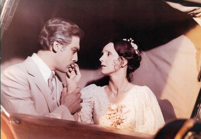 Powieść Heleny Mniszkówny o miłości ordynata Michorowskiego do pięknej guwernantki ukazała się po raz pierwszy w 1909 roku. 29 listopada 2016 roku mija 40 lat od premiery słynnego filmu Jerzego Hoffmana, z Elżbietą Starostecką i Leszkiem Teleszyńskim w rolach głównych.