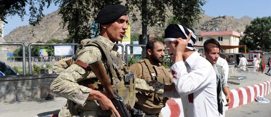 Co najmniej 80 osób osób zginęło, a ponad 230 zostało rannych w zamachu w stolicy Afganistanu - Kabulu. Do ataku doszło w trakcie pokojowej demonstracji.