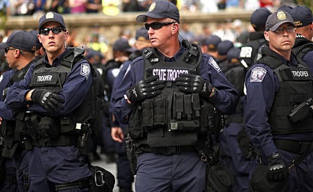 Cztery osoby zginęły w strzelaninie w bloku mieszkalnym w miejscowości Bastrop, w stanie Teksas. Przyczyny tragedii są niejasne. Wiadomo, że sprawca nie żyje.
