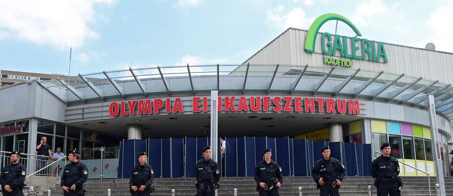 18-letni Ali David S. szykował zamach od roku - ujawnia bawarska policja po strzelaninie, do jakiej doszło w piątek w Monachium. Młody Niemiec irańskiego pochodzenia zastrzelił 9 osób, kilkanaście ranił, po czym popełnił samobójstwo.