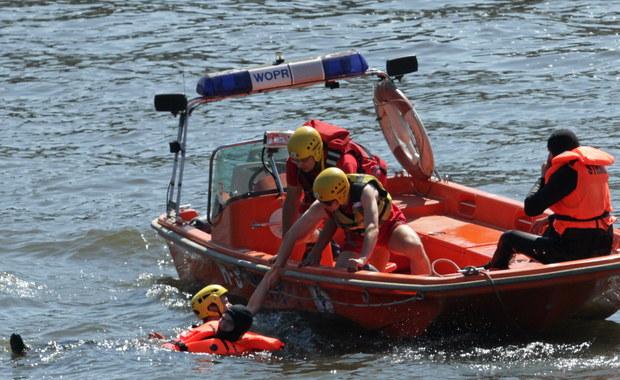 Na Odrze w Szczecinie barka staranowała łódkę wiosłową. Do wypadku doszło niedaleko kąpieliska Dziewoklicz, skąd jednostka została wypożyczona.