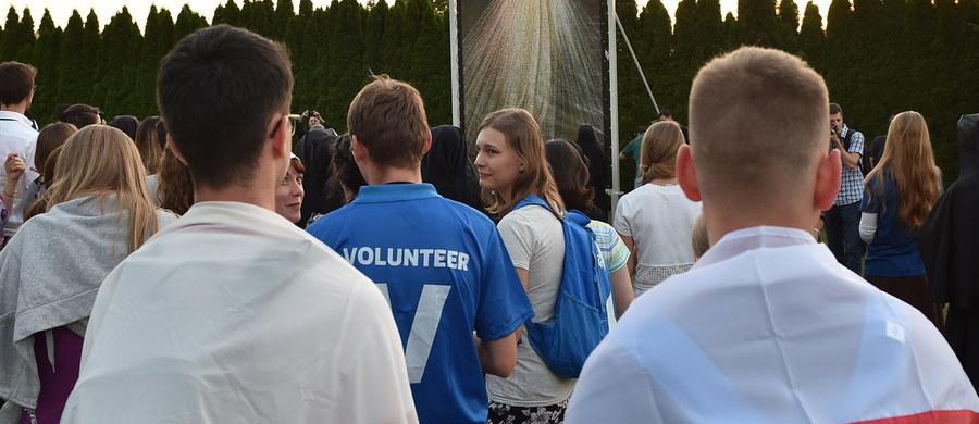 Do Krakowa zjeżdżają pielgrzymi, by uczestniczyć w Światowych Dniach Młodzieży, które potrwają niemal tydzień. Od środy w Polsce będzie gościł papież Franciszek, który spotka się z młodymi z całego świata, odprawi też mszę św. Na Jasnej Górze oraz odwiedzi Auschwitz.