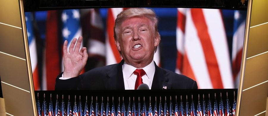 """Kandydat Partii Republikańskiej w wyborach prezydenckich w USA Donald Trump oświadczył, że """"nie ma nic wspólnego z Rosją"""". To reakcja na sugestie Demokratów, że Moskwa popiera Trumpa i może usiłować wpłynąć na wynik listopadowych wyborów w USA."""
