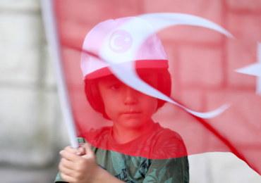 Tureckie władze zamykają media w reakcji na pucz. Chodzi o ponad 100 redakcji