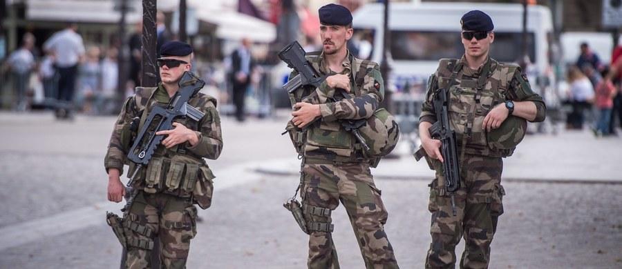 Prezydent Francji Francois Hollande zapowiedział powołanie Gwardii Narodowej. Złożona z ochotników formacja ma pomóc w pracy służbom odpowiedzialnym za porządek i bezpieczeństwo w kraju po serii zamachów terrorystycznych.