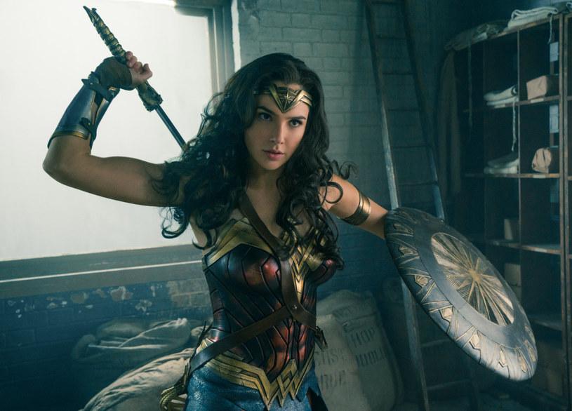 Filmy i seriale o ludziach z nadprzyrodzonymi zdolnościami są w ostatnim okresie niezwykle popularne. W roku 2017 ma się ukazać aż sześć filmów na podstawie komiksów DC oraz ze studia Marvel.